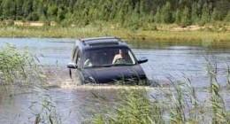 Секреты вождения внедорожника: преодоление водных преград